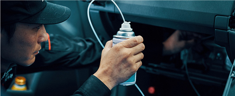 エアコン除菌消臭作業